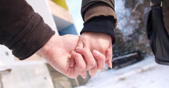 pasangan,couple,bergandengan tangan,nyaman