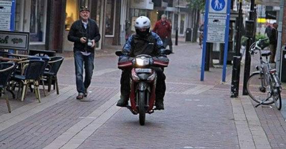 Gerard Elfering,bule,motor,supra x