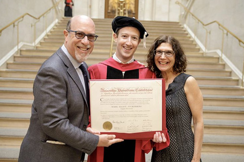 mark zuckerberg, wisuda, sarjana,facebook