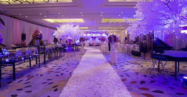 Pesta pernikahan mewah di hotel