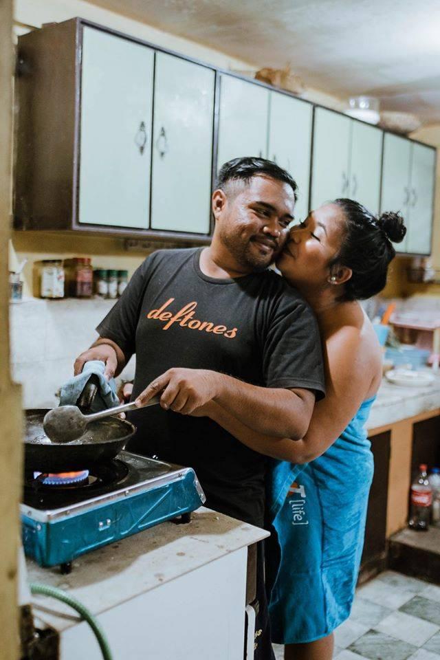 7. Di dapur juga masih bisa sayang- sayangan