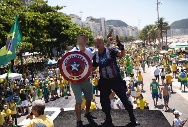 Brazil merayakan dengan pawai di tengah isu corona