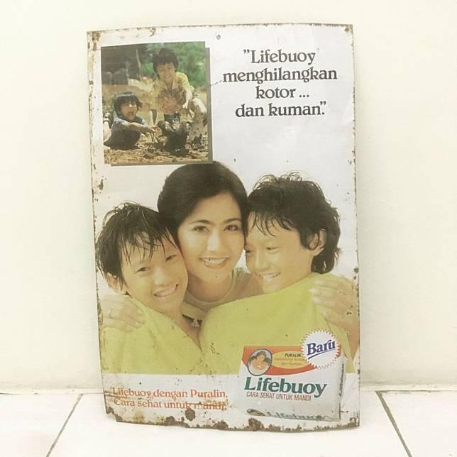 1. Kemasan sabun jaman old itu kelihatan lebih simpel banget ya