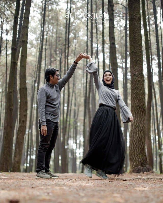 PRe wedding menari bersama