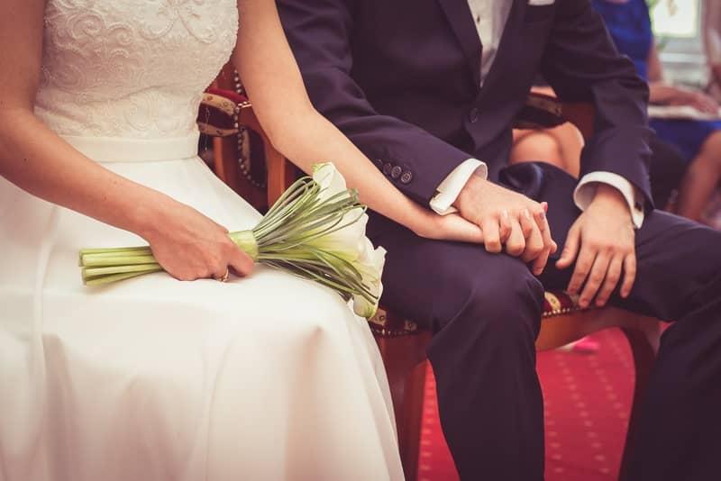 Pria wanita menikah