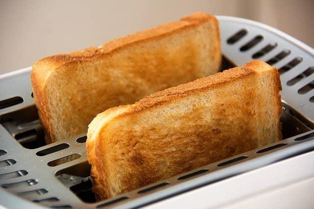 Roti bakar untuk sarapan