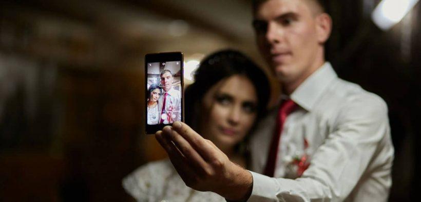 Perlu nggak sih menghapus foto mantan?