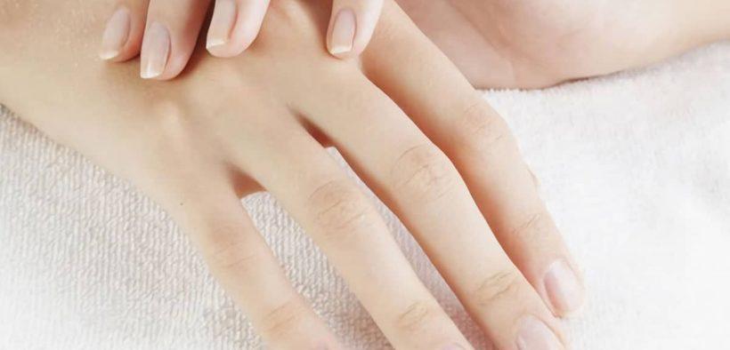 Cara merawat telapak tangan kering